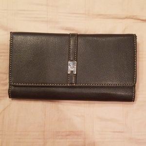 Tommy Hilfiger women's black three fold wallet